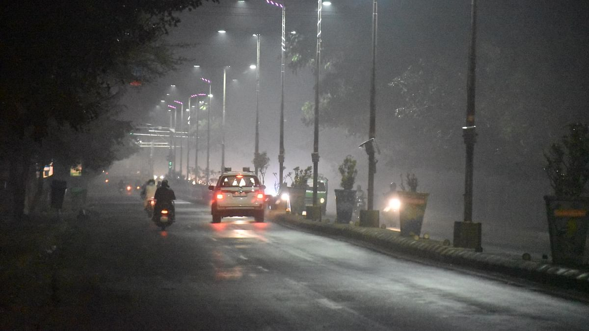 Ujjain locals witness a hazy evening on Tuesday