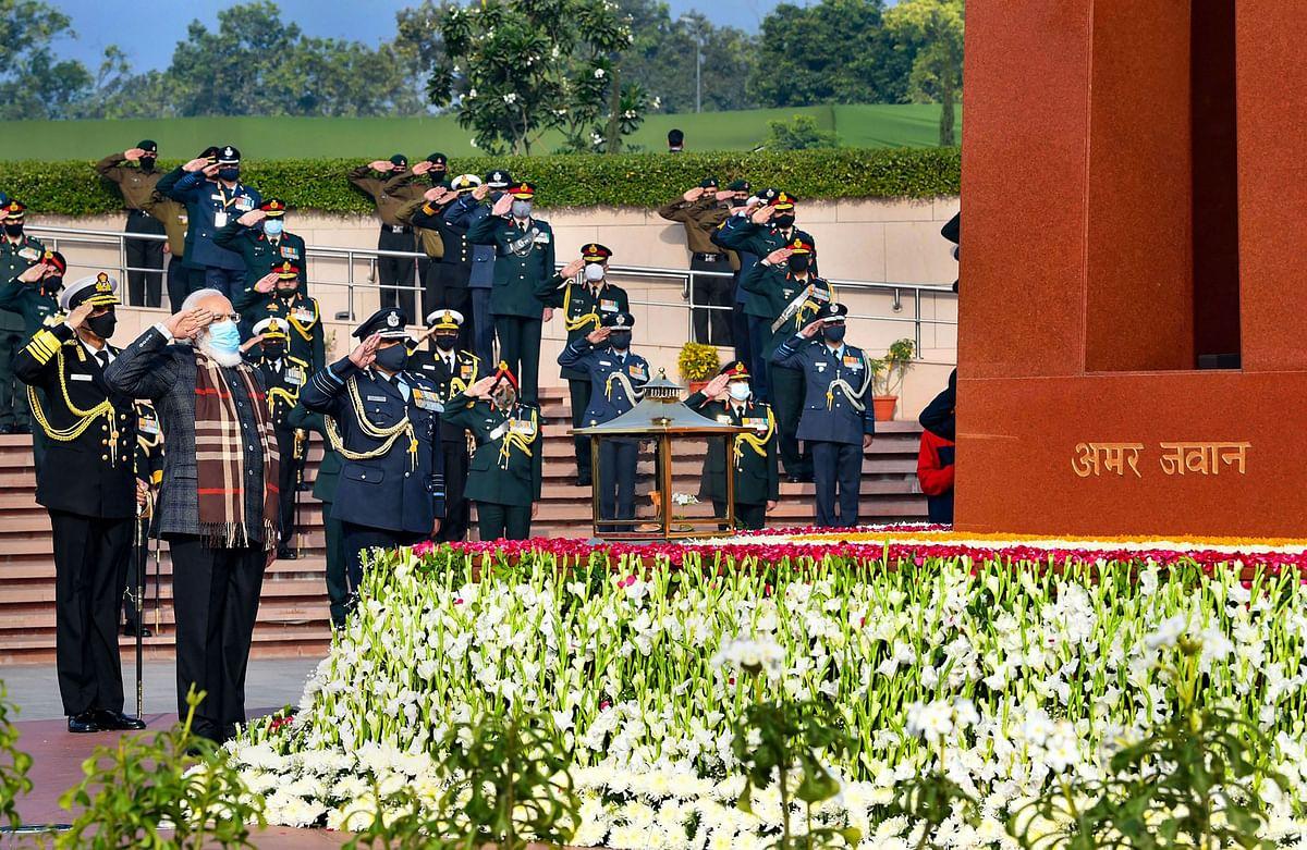 Prime Minister Narendra Modi pays tribute at the National War Memorial
