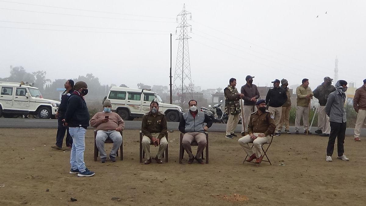 Madhya Pradesh: Illegal farmhouse of man involved in multiple crimes razed in Nagda