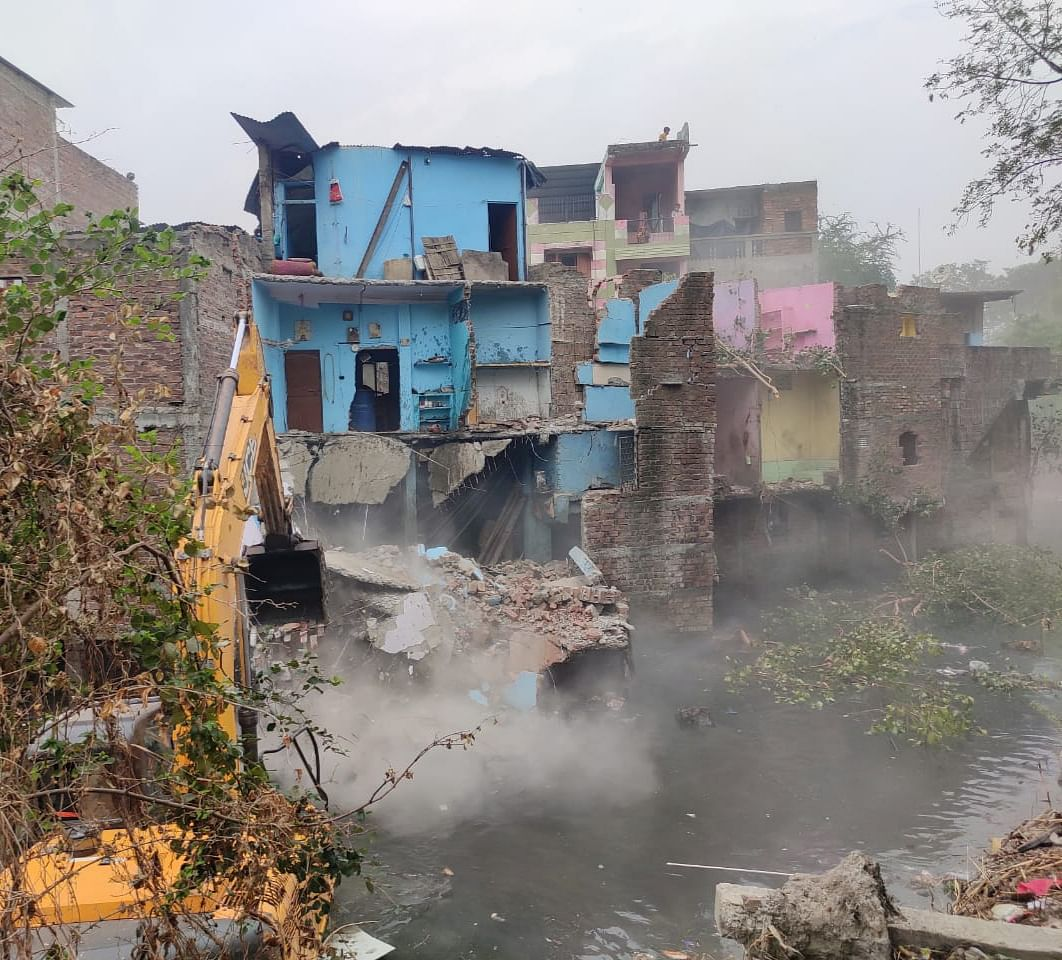 Indore: ​Illegal portions of 29 houses demolished​ by Indore Municipal Corporation