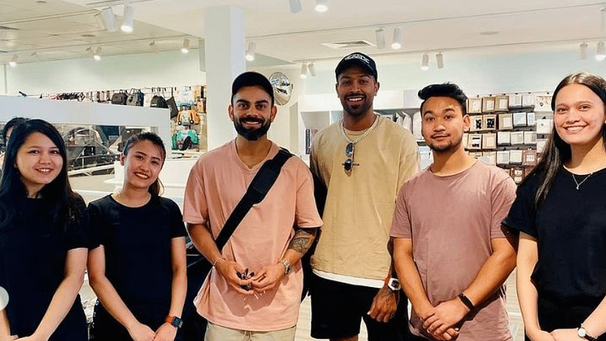 Rohit Sharma, Hardik Pandya and others in a shop