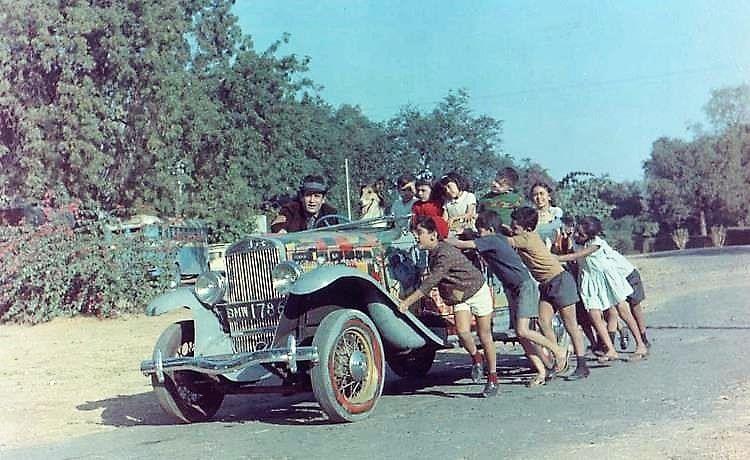 A still from the 1968 film Brahmachari