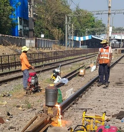 Central Railway Mumbai Division carries out maintenance works amid mega block on Jan 17