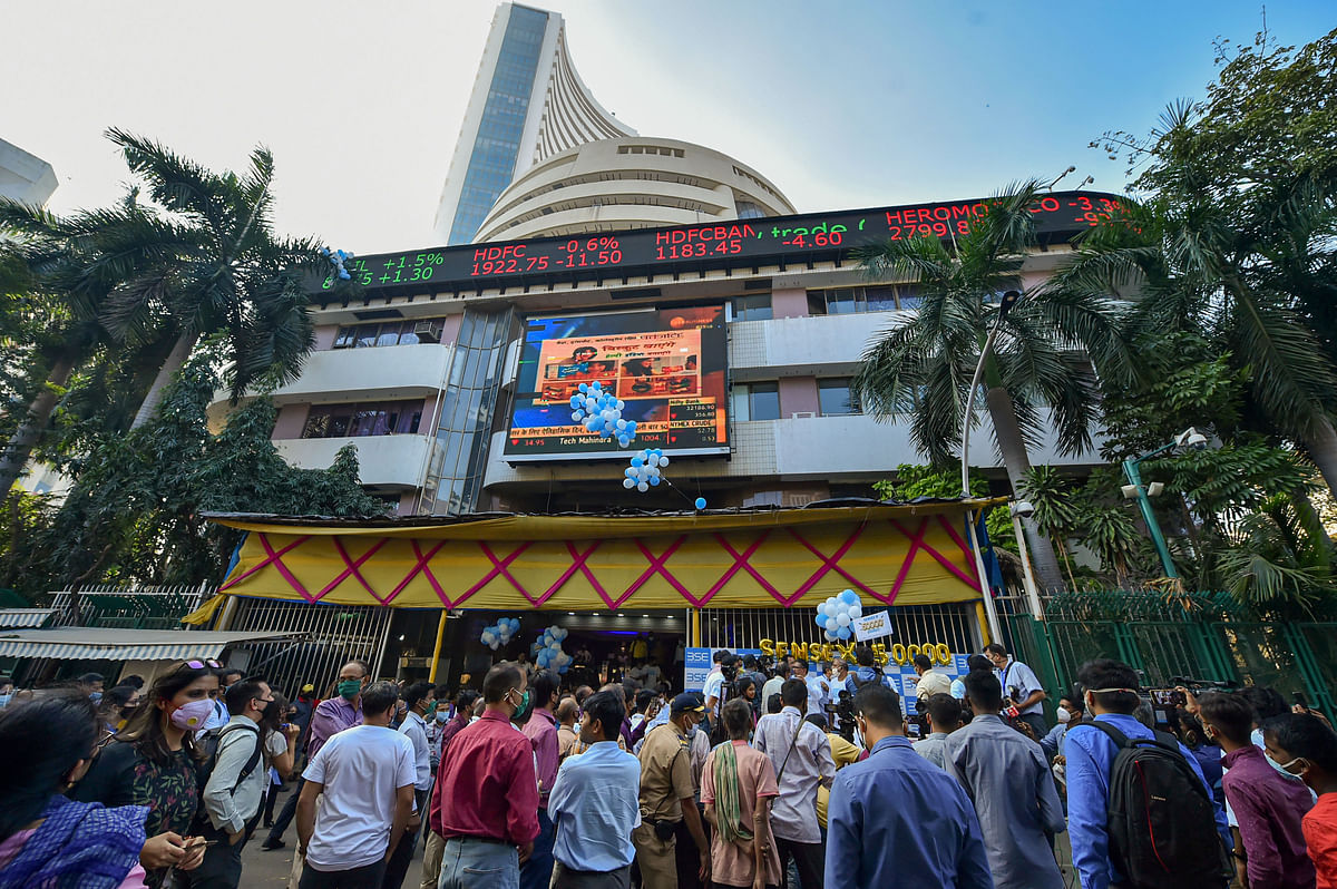 Sensex slumps over 440 points, Nifty 50 slips below 15,000-level