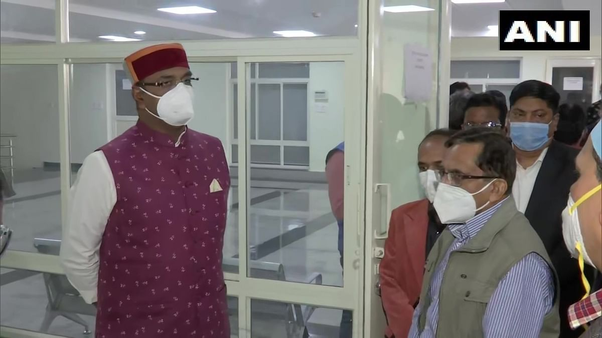 Madhya Pradesh: BJP Minister Vishvas Sarang visits Gandhi Medical College ahead of upcoming inoculation drive to administer the COVID vaccination