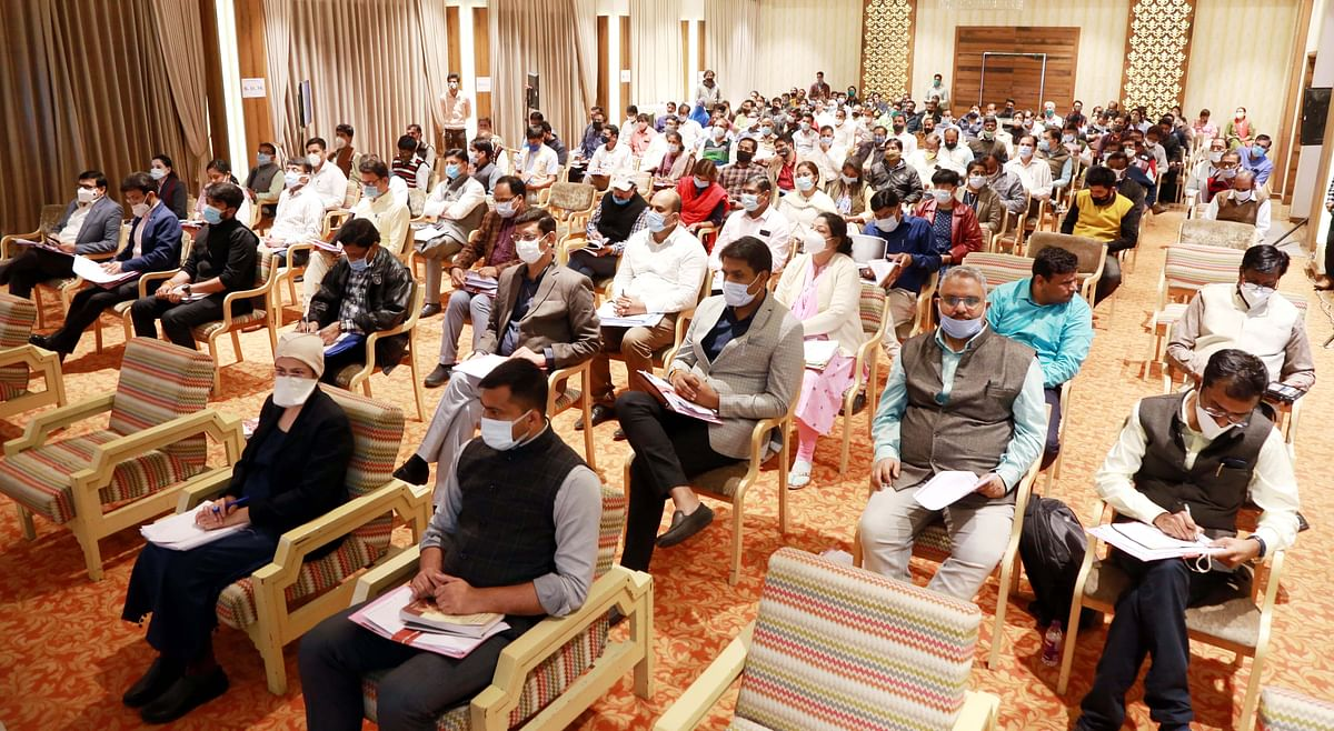 'Launch campaign to realize Rs 55 cr dues from land diversion'