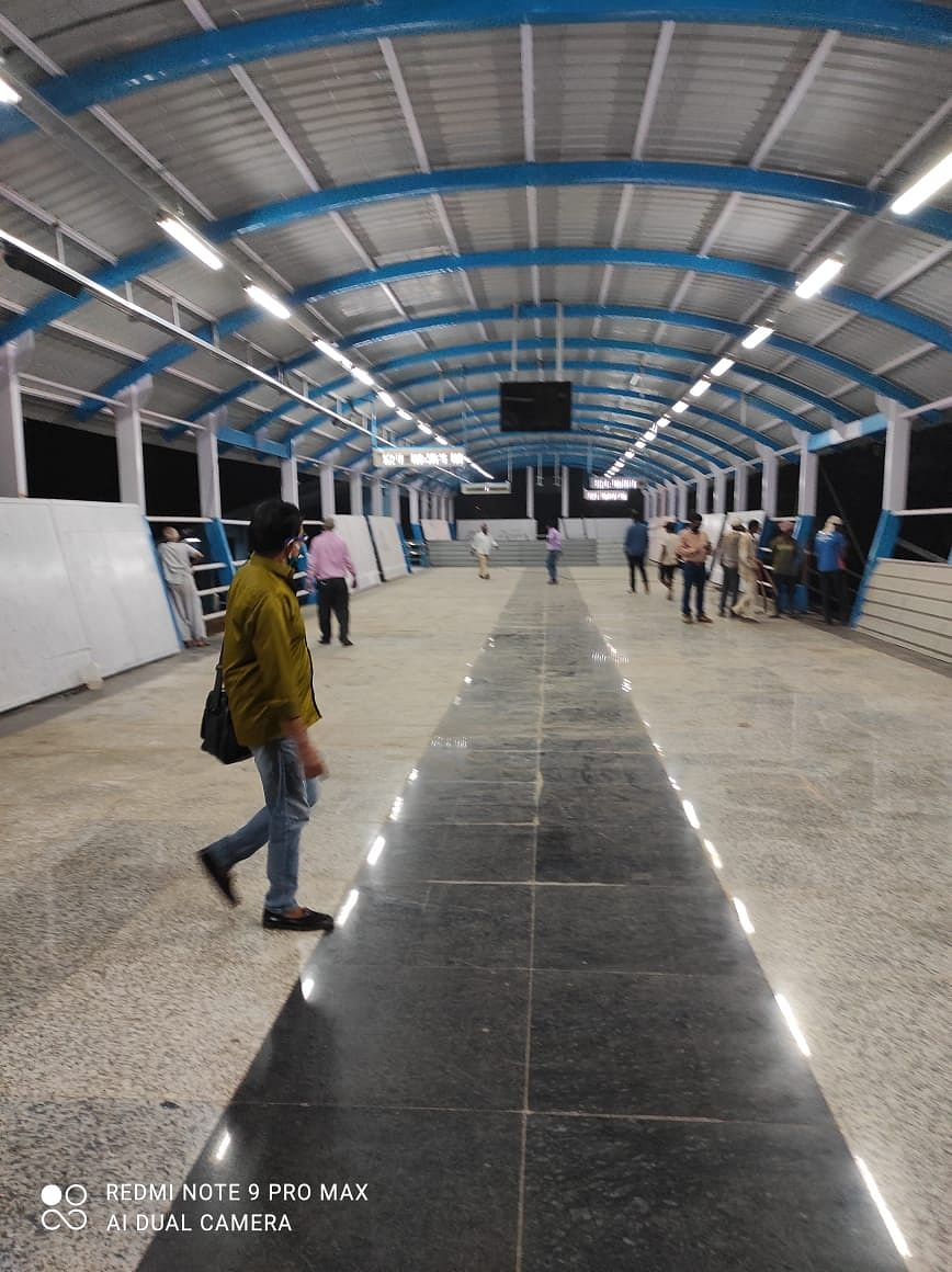 Western Railway opens new foot over bridge at Malad station
