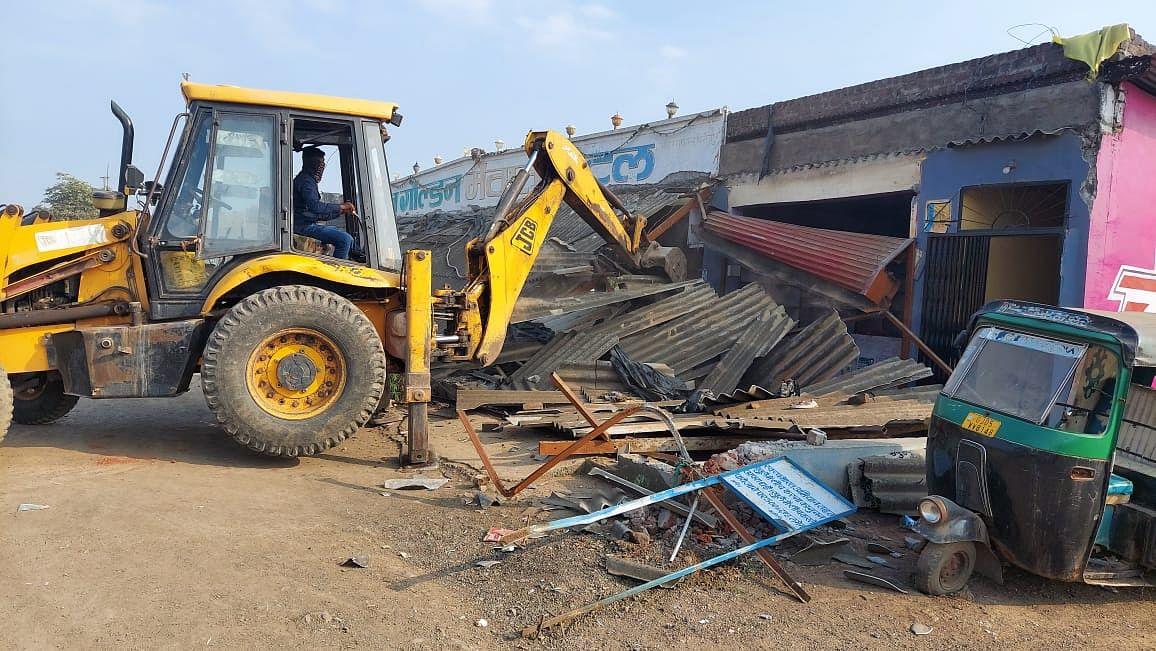 Golden Mewat dhaba being demolished