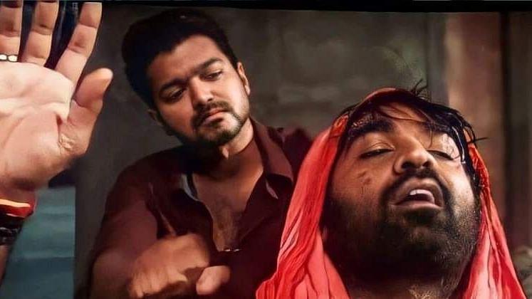 South star Vijay's 'Master' to get Hindi remake