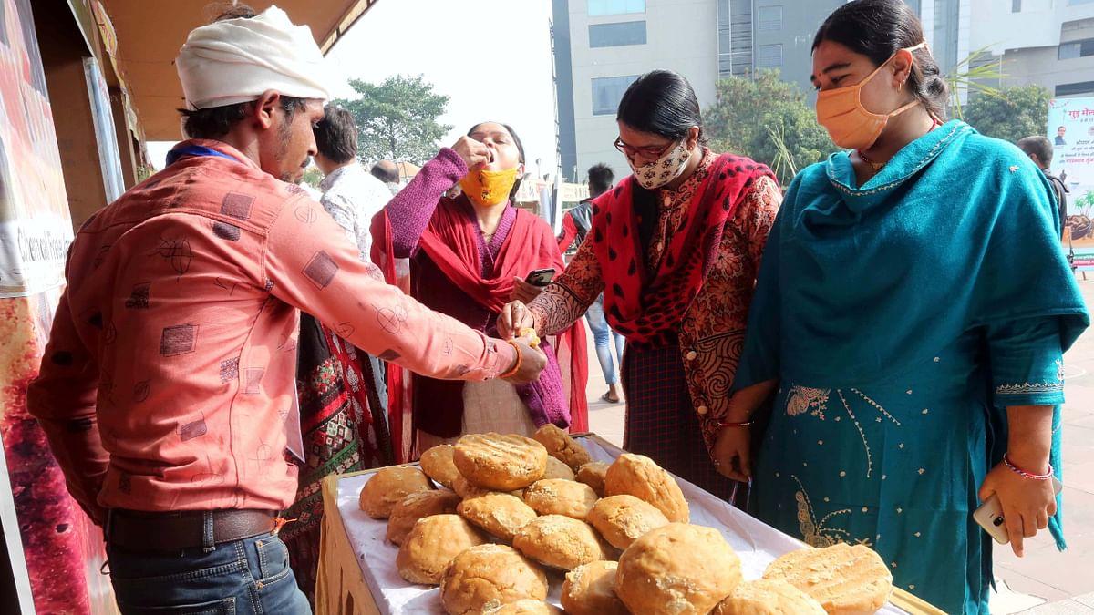 Bhopal: Farmers in Madhya Pradesh express solidarity with protesting farmers in Delhi, demand guarantee on MSPs