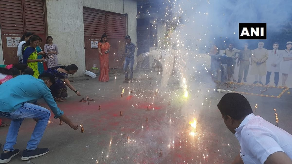 Mumbai: As vaccination drive begins, BJP workers in Ghatkopar burst crackers, burn effigy of 'Coronavirus Ravan'