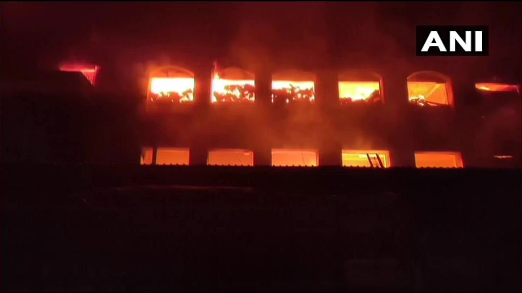 Maharashtra: Fire breaks out in Bhiwandi godown; fire tenders present at spot