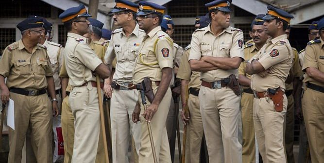 Mumbai: Trio assault cop after abusing senior citizen; one detained, two on the run