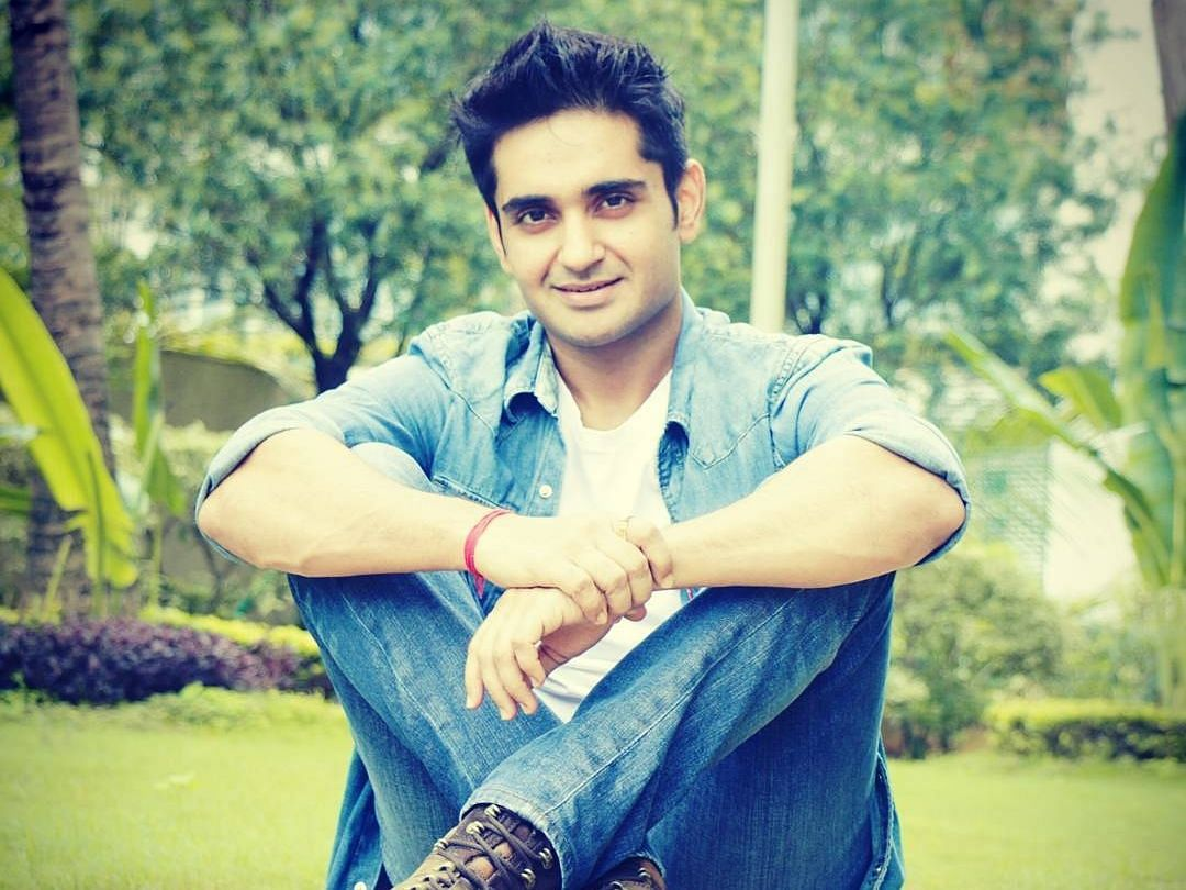 Spill the Tea with Anant Vidhaat: How's your favourite star in real life?
