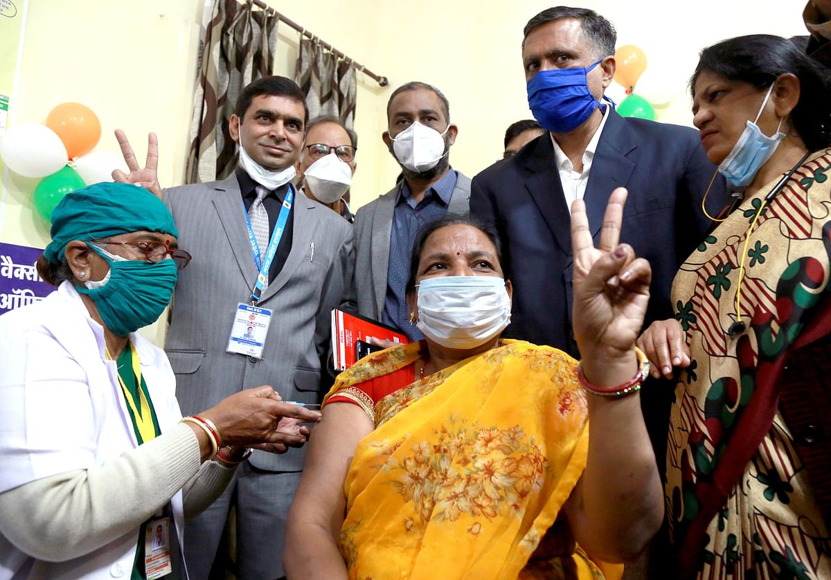 Asha Pwar became first to get vaccine in Indore