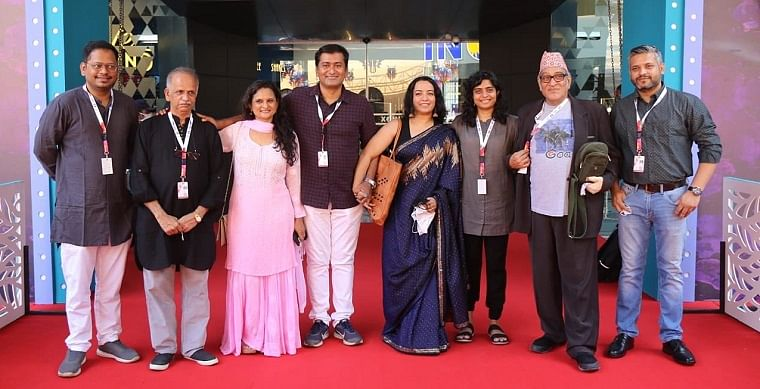 Cast and crew of Karkhanisanchi Waari
