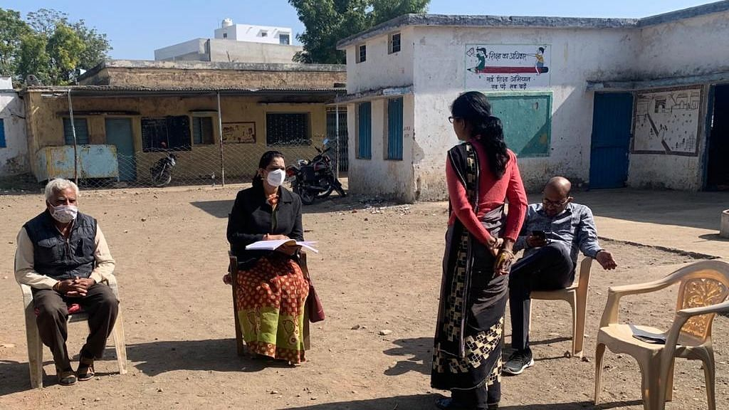 Block medical officer Dr Nirupa Jha and her team questioning the concerned department officials