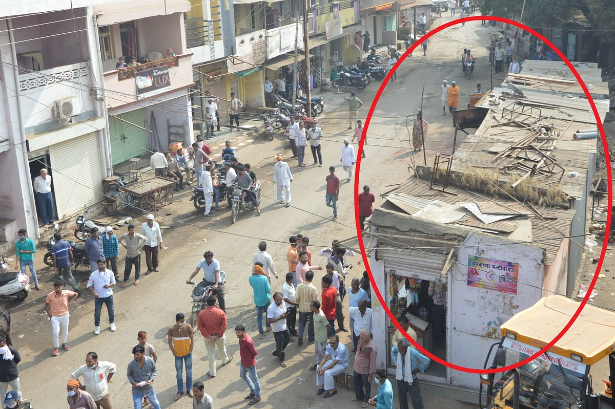 Madhya Pradesh: Shopkeepers vow to turn terrorists, Naxals after Khargone administration demolishes shops