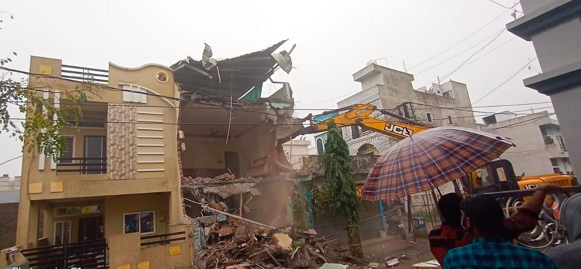 Madhya Pradesh: Illegal structures of two listed criminals razed in Indore