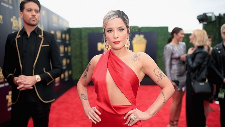 Singer Halsey says make-up helped her deal with 'really ugly' break-up from rapper G-Eazy