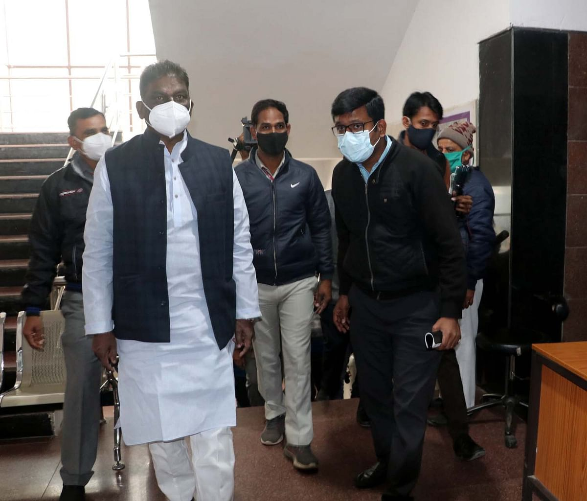 Health minister Dr Prabhuram Chaudhary visits JP Hospital to take stock of the ongoing vaccination process on Monday.