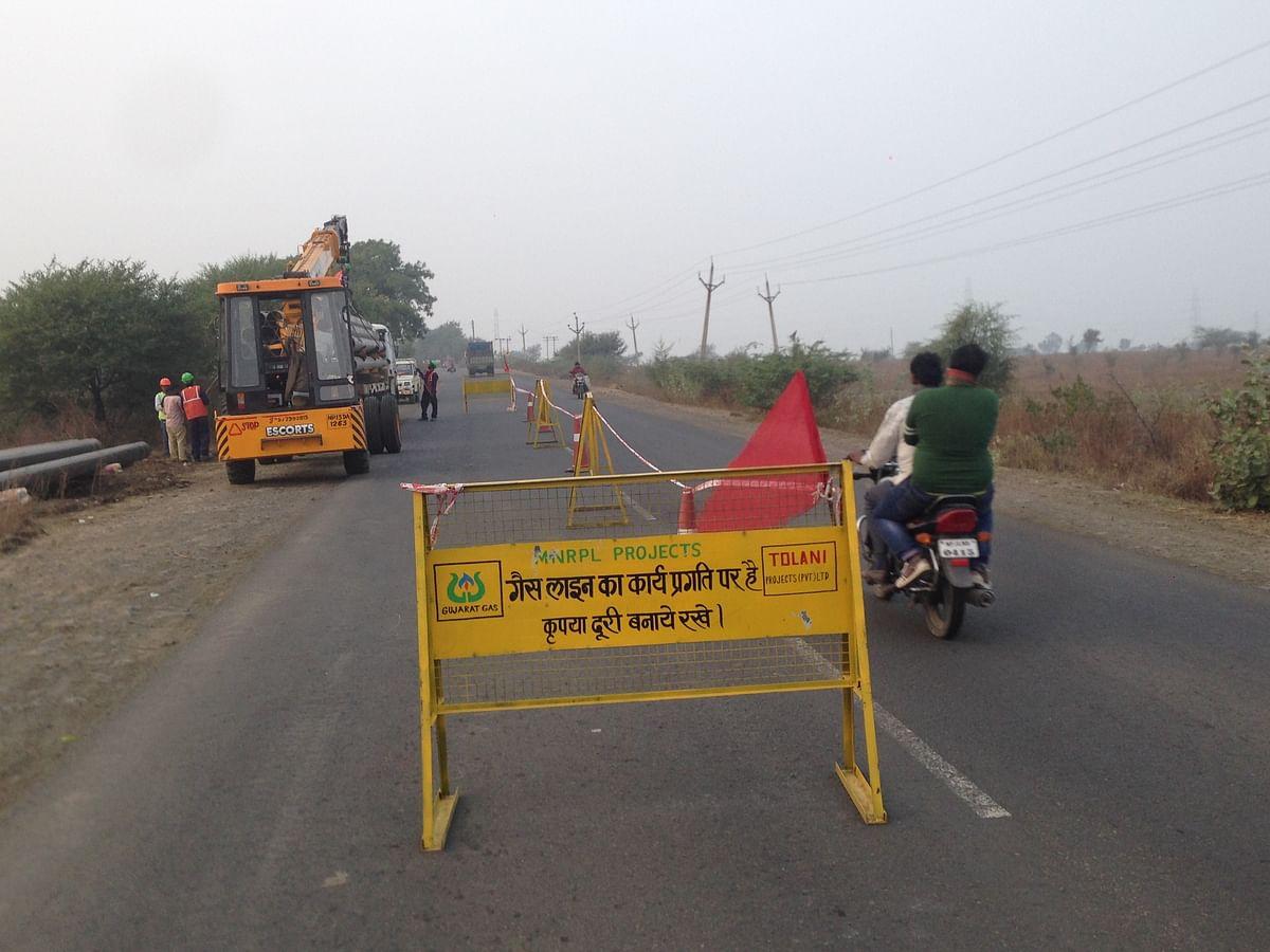 Madhya Pradesh: Gas pipeline work poses risk on busy Ujjain-Jaora State Highway