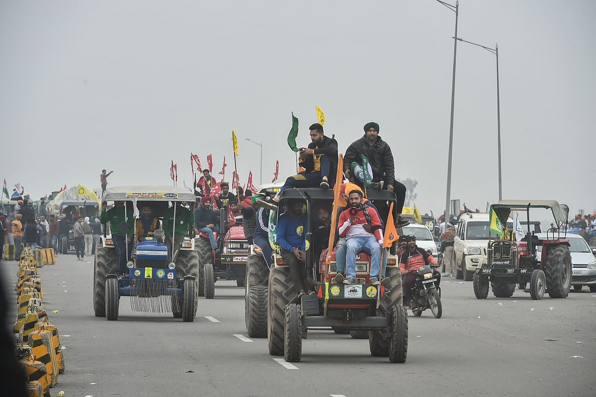 Tractor rally on Republic Day? Protesting farmers meet with cops as SC hears Centre's plea