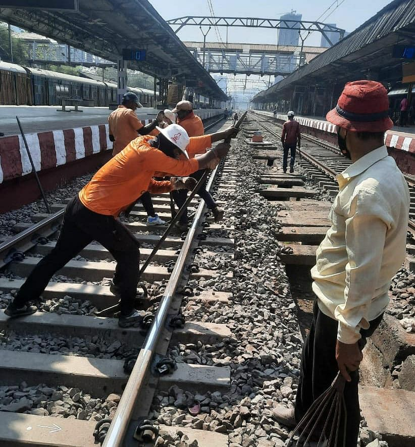 Central Railway Mumbai Division carries out maintenance works amid mega block on January 24