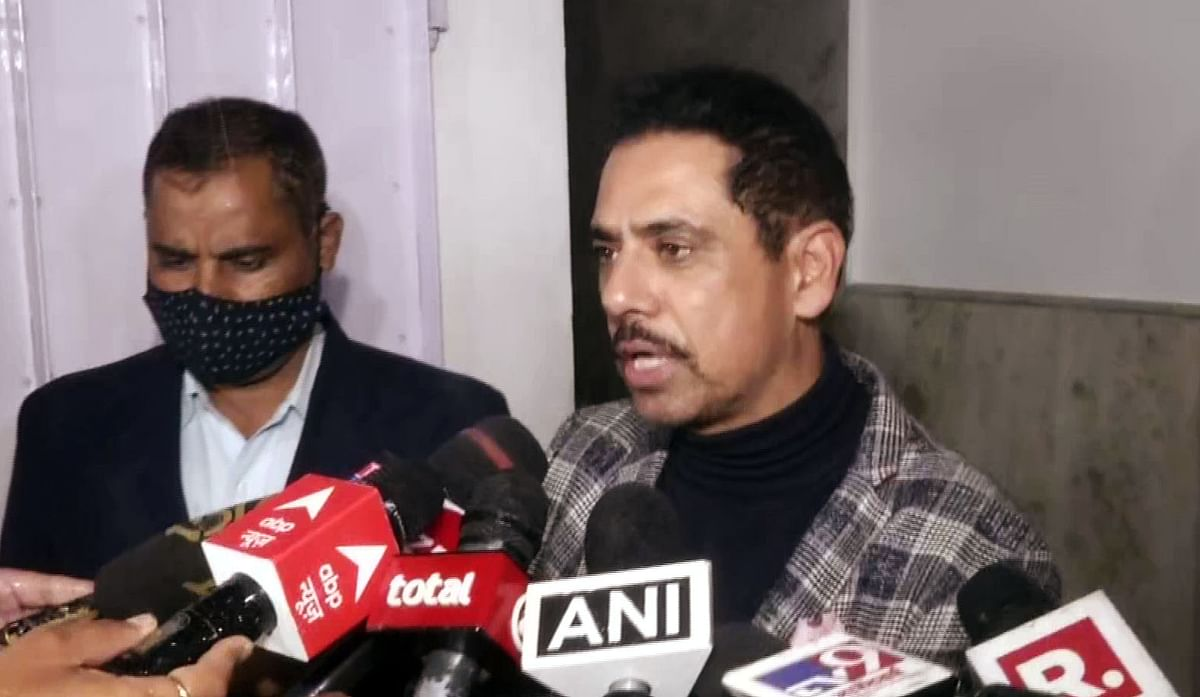 New Delhi, Jan 04 (ANI): Businessman Robert Vadra speaks to media as he comes out after recording his statement to Income Tax Department in New Delhi on Monday.