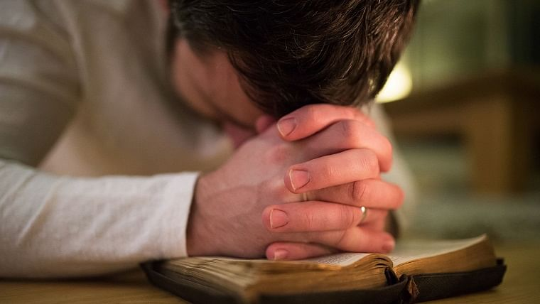 Religious people cope well with anxiety, depression, claims new study