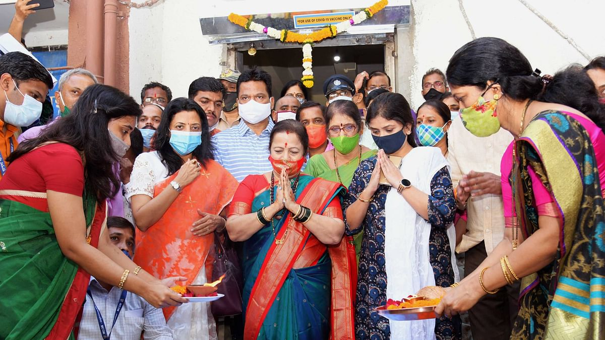 Mumbai: Mumbai Mayor Kishori Pednekar participates in a puja before dispatch of vaccine doses to various vaccination centres for the COVID vaccination drive, in Mumbai Friday, Jan. 15, 2021.