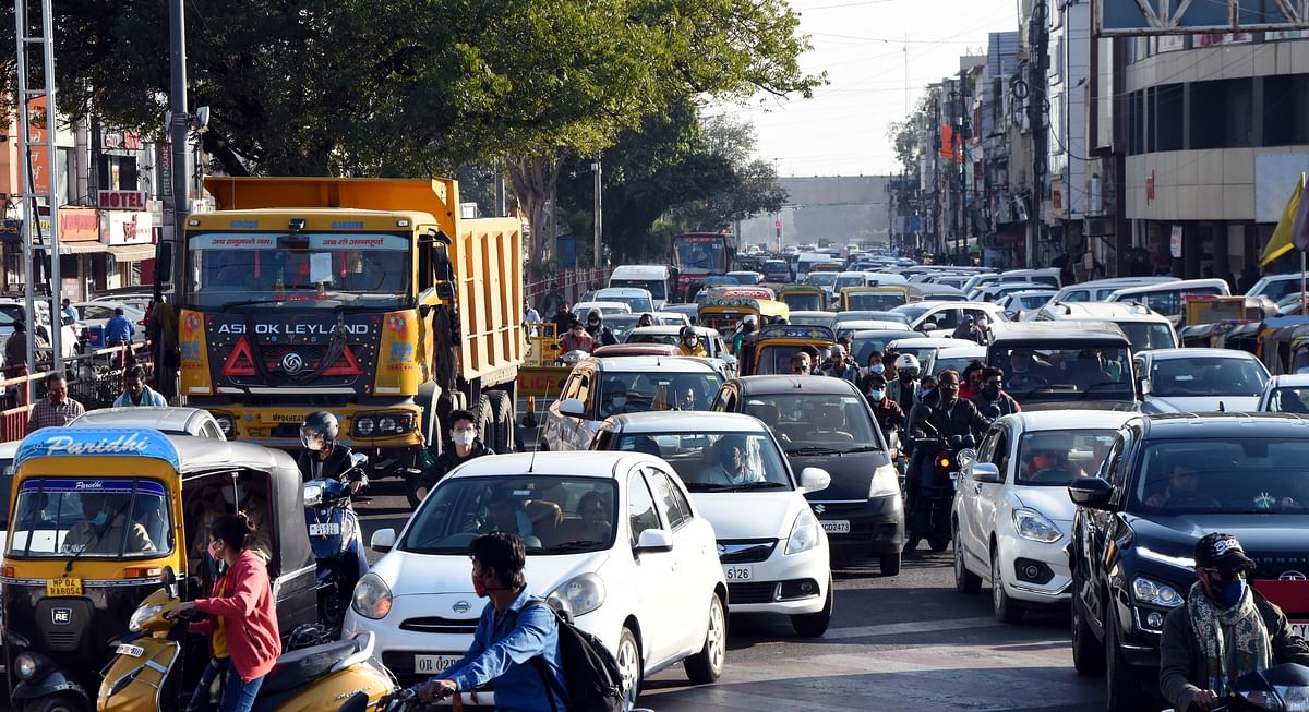 Traffic jam following  congress protest in Bhopal on Friday