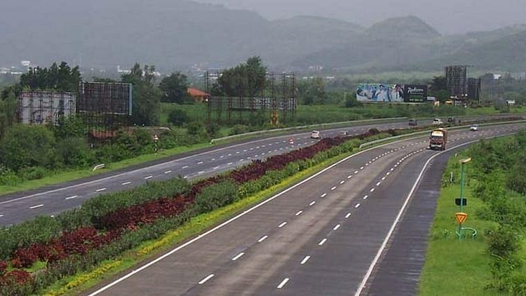 Mumbai: MMRDA to give bitumen treatment to Eastern Express Highway