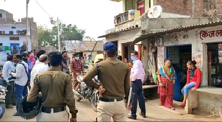 Administration and police team in Barwani