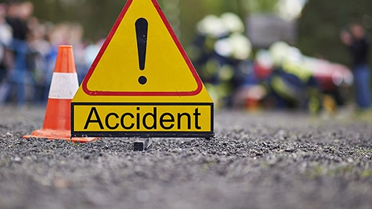 Maharashtra: 20 Kalyan residents injured in accident while returning from wedding in Beed