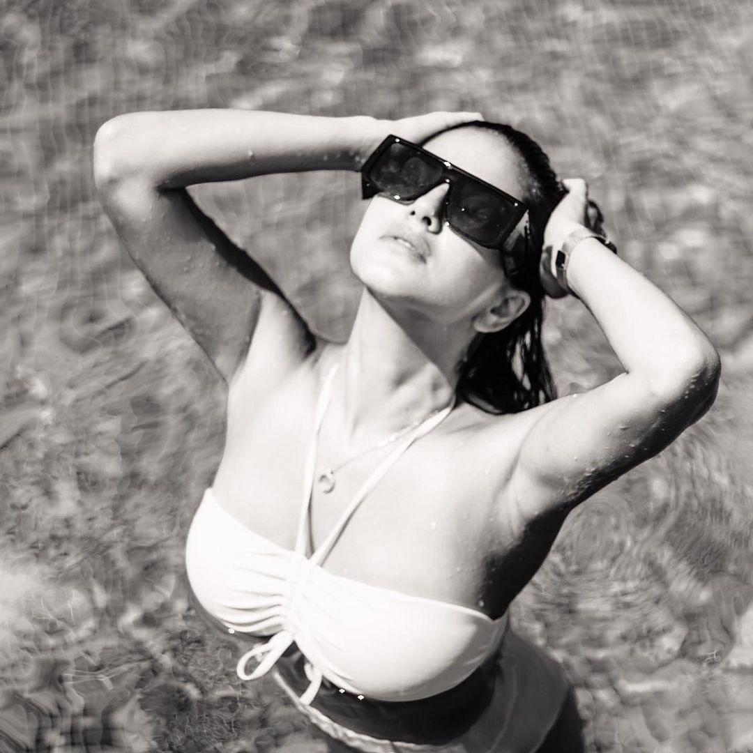 Sunny Leone sets internet on fire with nude-hued bikini pic from the pool