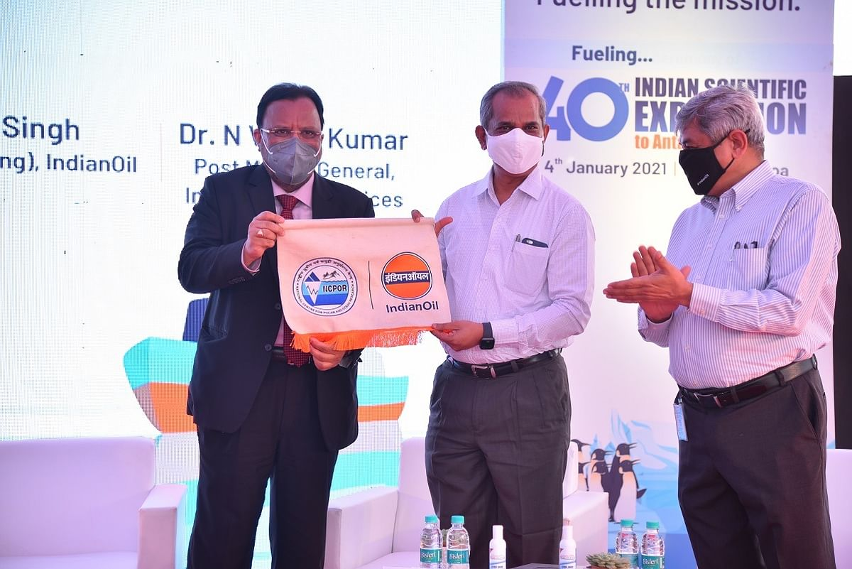 IndianOil provides complete energy solution to 40th Indian Scientific Expedition to Antarctica