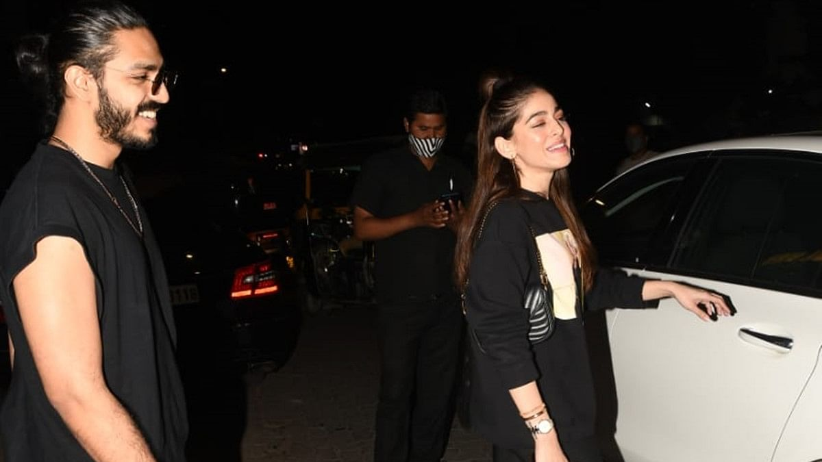 In Pics: Alaya F spotted on a dinner date with Bal Thackeray's grandson Aaishvary