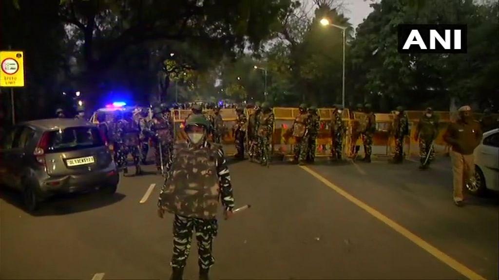 Blast outside Israeli Embassy, some cars damaged, says Delhi Police