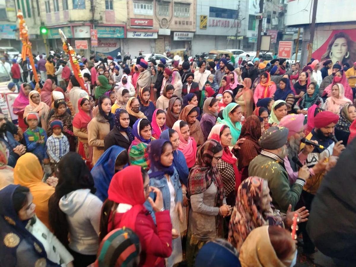 Indore: Prabhat pheris mark Guru Gobind Singh's Prakash Purab