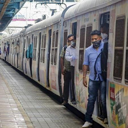 'Ruko zara, sabar karo': Twitter cracks jokes as Mumbai gears up to open local trains to general public