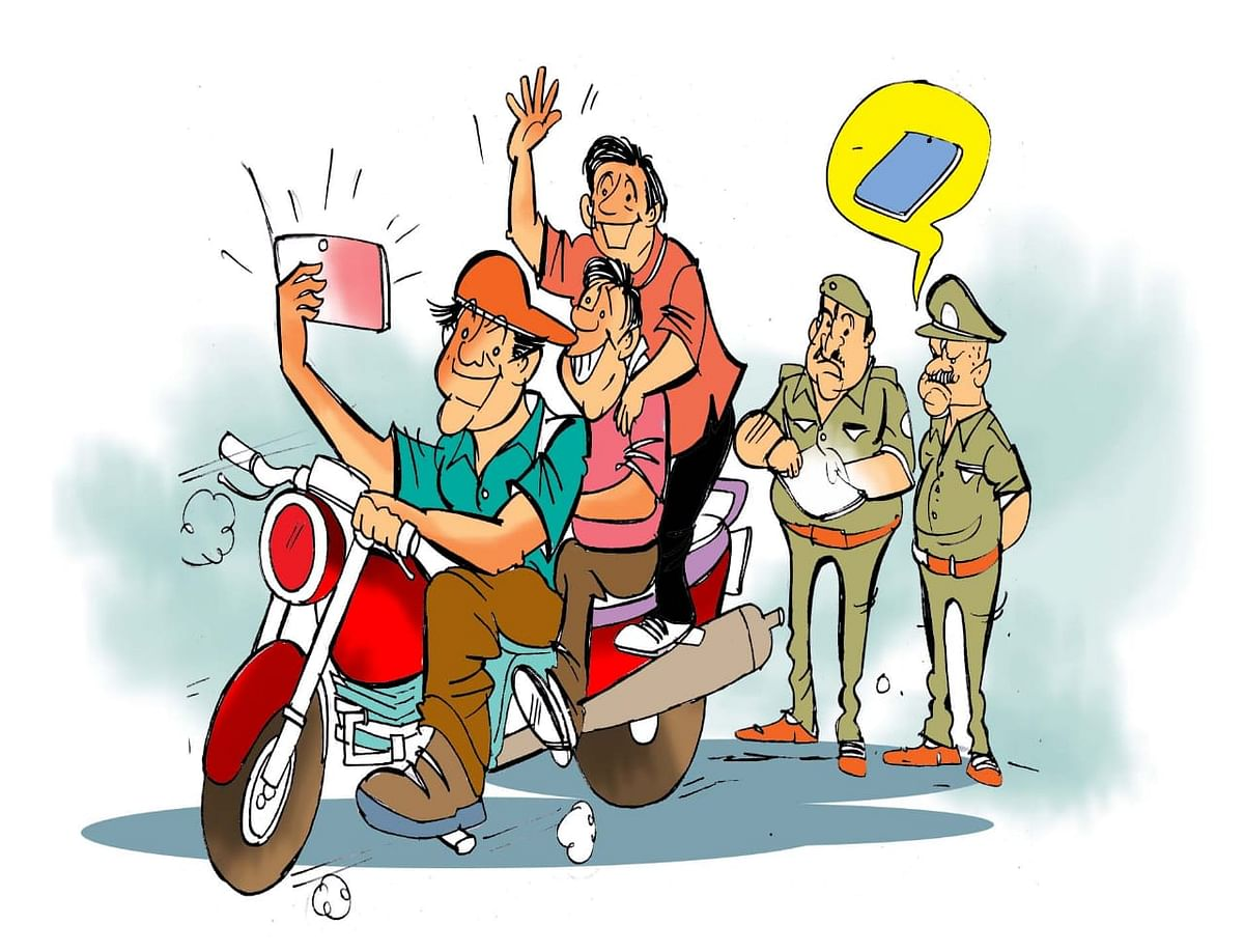 Madhya Pradesh: Seize mobiles of those caught talking while driving, District Judge's mantra to check traffic rule violations