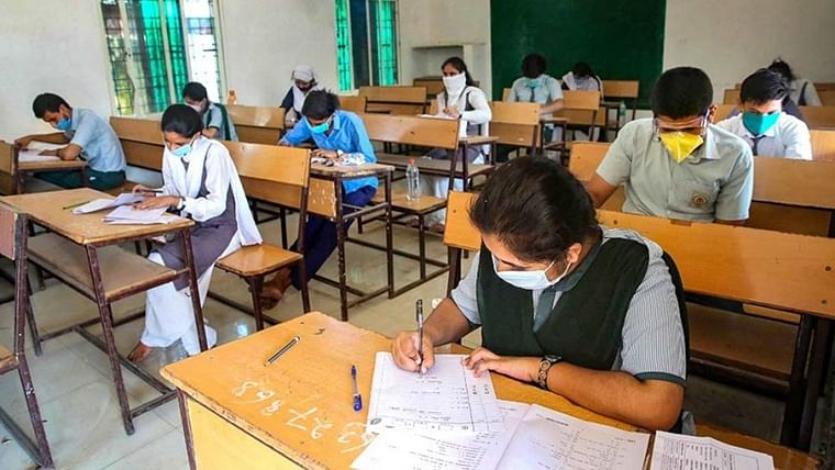 Mumbai: Amid surge in COVID-19 cases, BMC directs all school teachers, staff to work from home