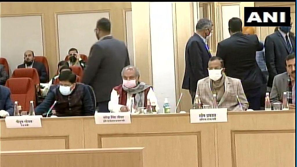 Govt, farmer unions begin 11th round of talks to break deadlock over farm laws
