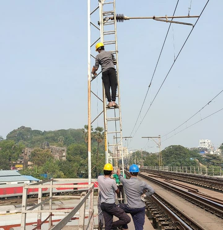 Central Railway Mumbai Division carries out maintenance works during mega block on January 3