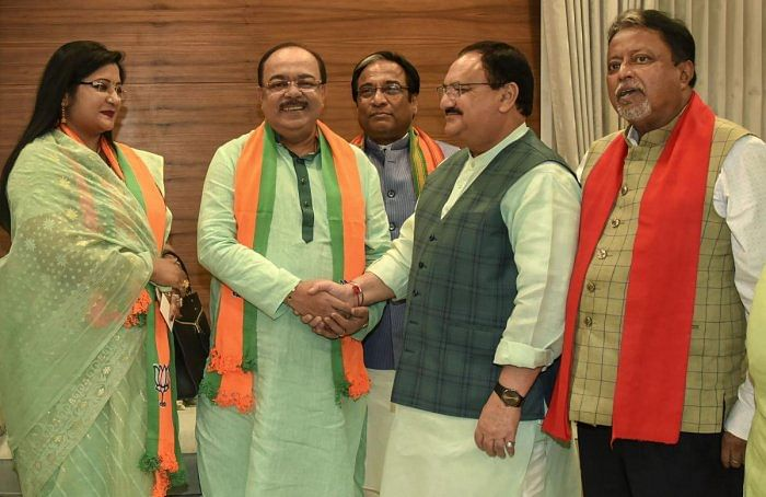File Photo of Former Kolkata Mayor Sovan Chatterjee and his close aide Baisakhi Banerjee when the duo defected from the TMC to the BJP