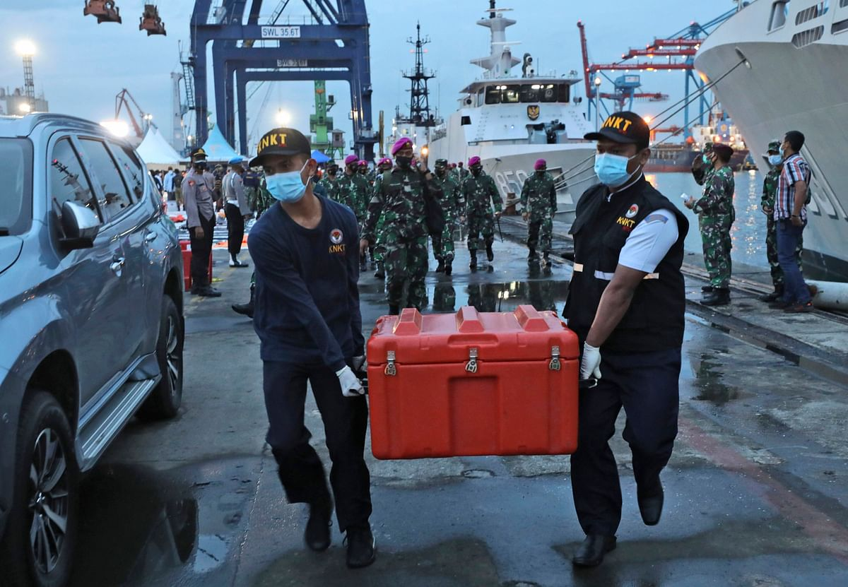 Indonesia plane crash: Divers recover 'black box' from Java Sea
