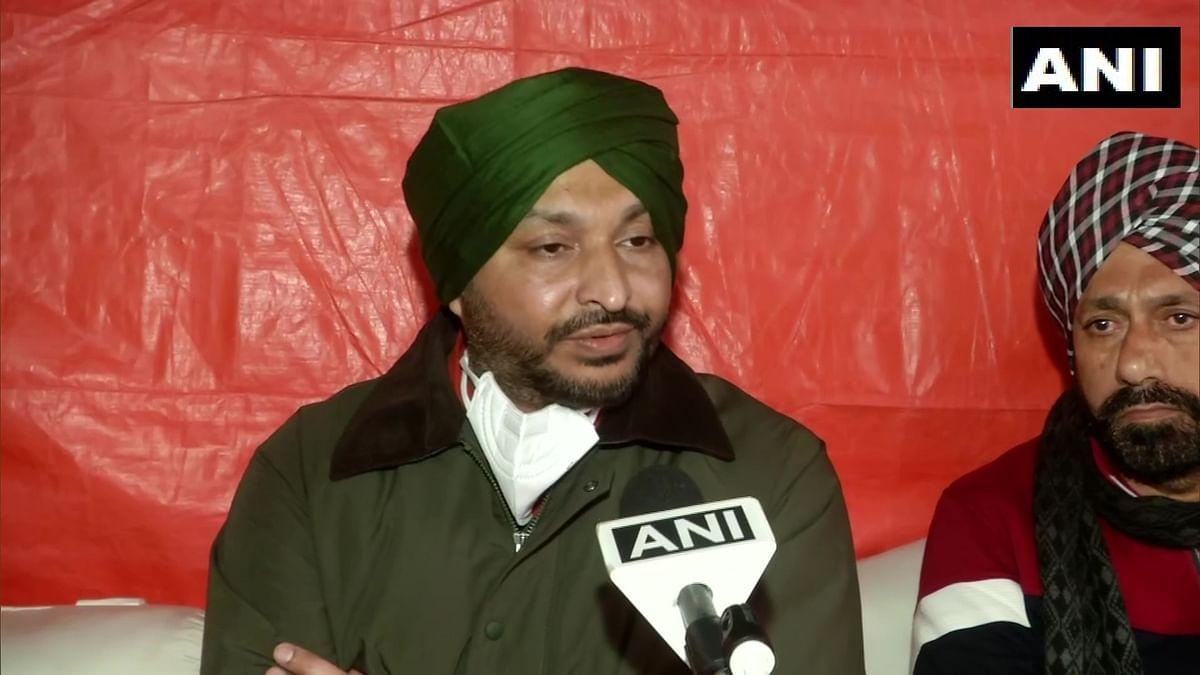 WATCH: Congress MP Ravneet Singh Bittu 'heckled' by protesting farmers at Delhi's Singhu border