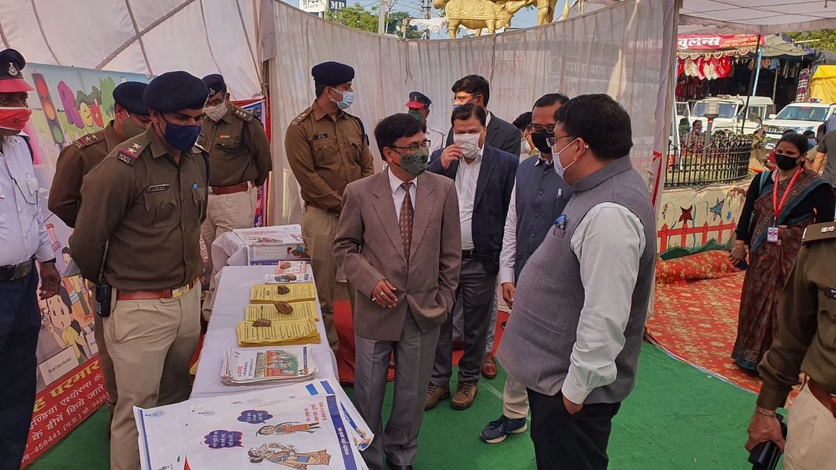 District Judge Hridayesh Srivastava along with district collector Jitendra Singh Raje during the inaugural ceremony of 32nd National Road Safety month here in Neemuch on Monday