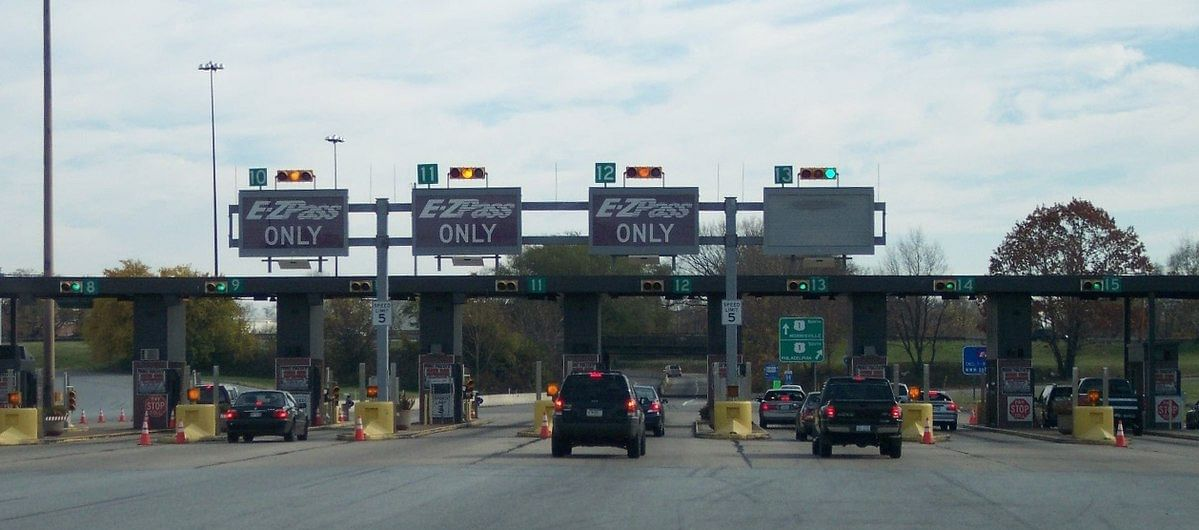 Toll collection through FASTag in December increases by over Rs 200 crore to Rs 2,304 crore